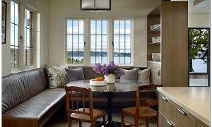 Большой дом с видом на озеро