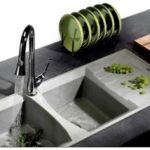 Кухонная мойка из натурального камня: мрамор, стеатит, кварц и гранит в интерьере кухни