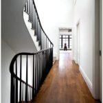 Многоуровневая квартира в нью йорке демонстрирует смешанный стиль интерьера