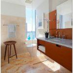 Современный интерьер квартиры для холостяка с использованием ретро мебели