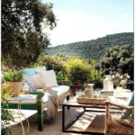 Уютный испанский дом с красивой террасой