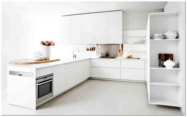 Beautiful-all-white-minimalist-kitchen-for-the-small-urban-apartment