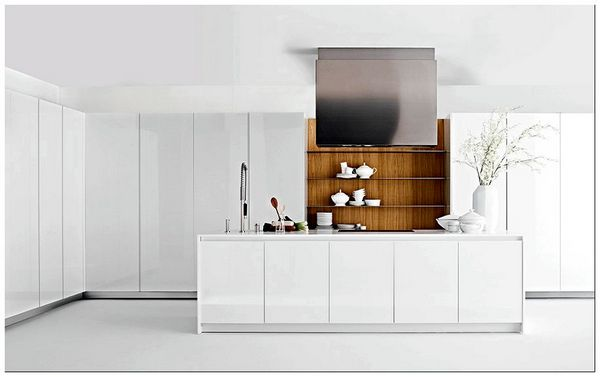 Stylish-contemporary-kitchen-in-white-with-wooden-cabinets