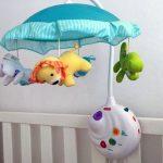 10 лучших мобилей на кроватку для новорожденных по отзывам покупателей