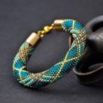Как сделать браслет-жгут из бисера Схема плетения браслета