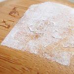 Как убрать клей от наклейки с пластика, стекла, посуды, мебели, металла, книги