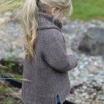 Вяжем детский пуловер для девочки спицами схемы, этапы вязания пошагово
