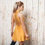 Как расширить платье по бокам своими руками вставки по всей длине платья