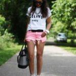 С чем носить розовые шорты