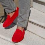 Как выглядят красные мокасины Какие модели бывают Особенности сочетания красных мокасин с одеждой