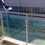 Стеклянные ограждения балконов, заказ перил из стекла, цены