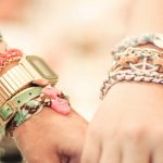 На какой руке носить браслет от чего зависит выбор руки