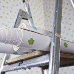Как клеить бумажные обои правильно без пузырей
