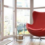 Как обустроить панорамные окна на балконе