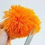 Как сделать помпон на шапку из пряжи, из меха, их ниток, из фатина, из флиса