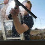 Как и чем отмыть цемент с пластиковых окон после ремонта