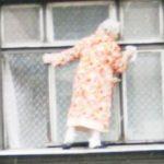 Как помыть окна на балконе снаружи и внутри легко и быстро