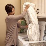 Можно ли стирать шерстяное одеяло в машинке Какой режим стирки