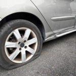 Как заклеить бескамерную шину, не прибегая к помощи автосервиса