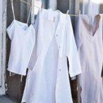 Как правильно стирать медицинский халат в машинке и руками, при какой температуре и режиме
