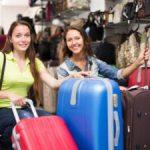 Какой чемодан приобрести для путешествия одного человека Какой размер, материал, детали выбрать