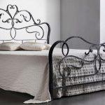Кованые кровати (46 фото) круглые, семейные, детские