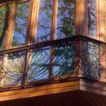 Деревянные окна на балконе — доступный и нетрудоёмкий вариант