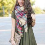 Как завязать шарф на платье красиво, эффектно, оригинально