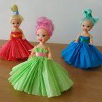 Как сделать из бумаги платье для куклы кукольный наряд из салфеток