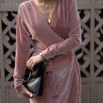 С чем носить велюровое платье – подбираем образы на все случаи жизни