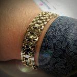 На какой руке носят цепочку мужчины золотые и серебряные браслеты (цепочки)