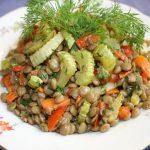Теплый салат с чечевицей рецепт от Джейми Оливера