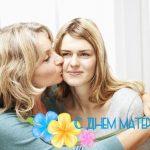 Поздравление с днем мамы дочери от мамы трогательные в стихах
