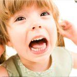 Ребенок бьет маму что делать