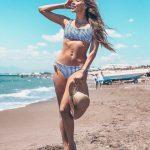 Топ и высокие плавки — модный фасон купальника на это лето