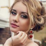 Какой сделать свадебный макияж для карих глаз