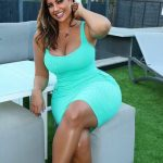 Стоит ли пышным женщинам ходить летом в платьях