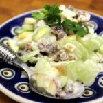 Салат из сельдерея, яблок, орехов рецепт
