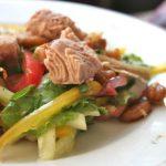 Салат из тунца консервированного рецепт классический