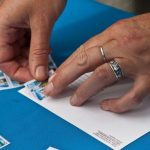 Сколько марок клеить на конверт по России, Украине, Беларуси зачем нужны марки на конвертах