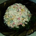 Салат из крабовых палочек, кукурузой и огурцом